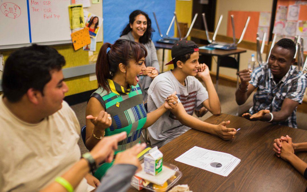 Neues IRC-Curriculum für den Schuleinstieg zugewanderter Jugendlicher erschienen